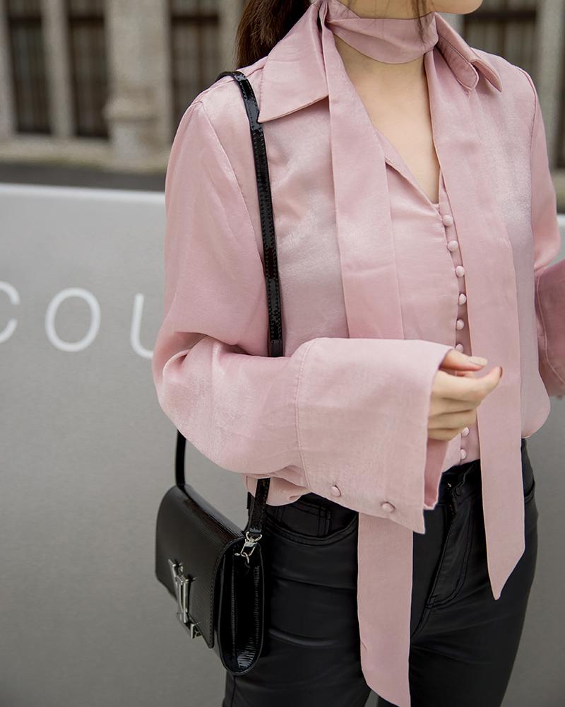 優雅緞面排釦上衣-Mercci22